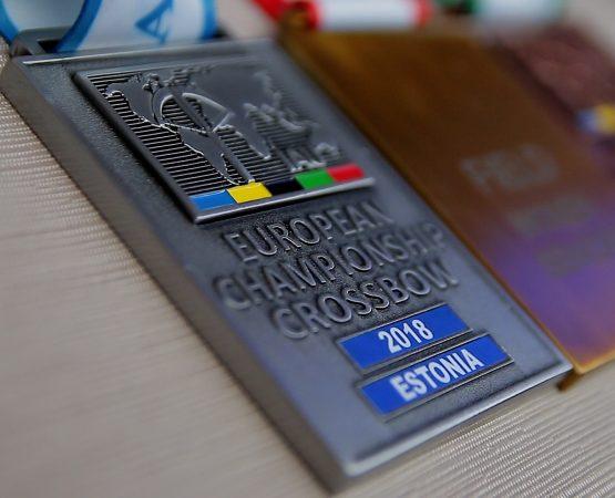 medaliai arbaletininkams